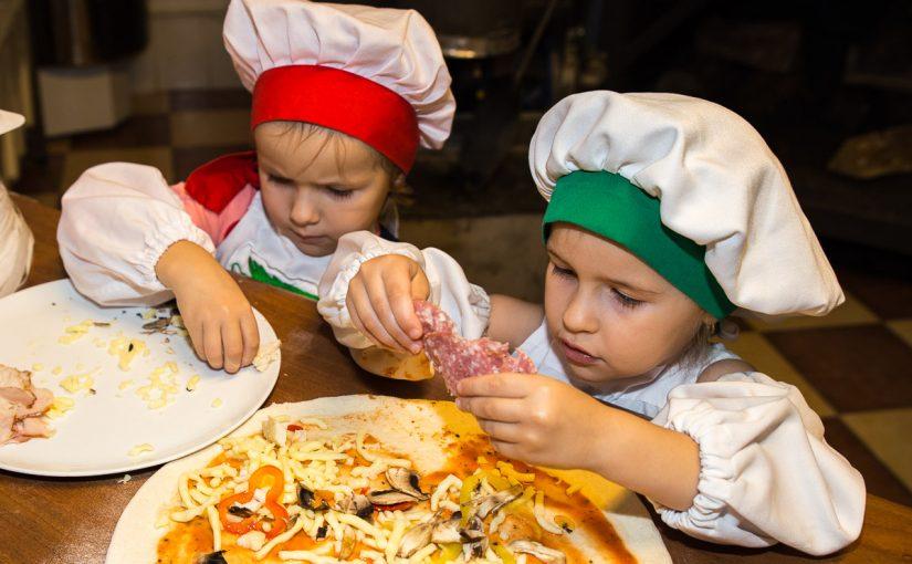 Ребенок на кухне: приключения начинаются!