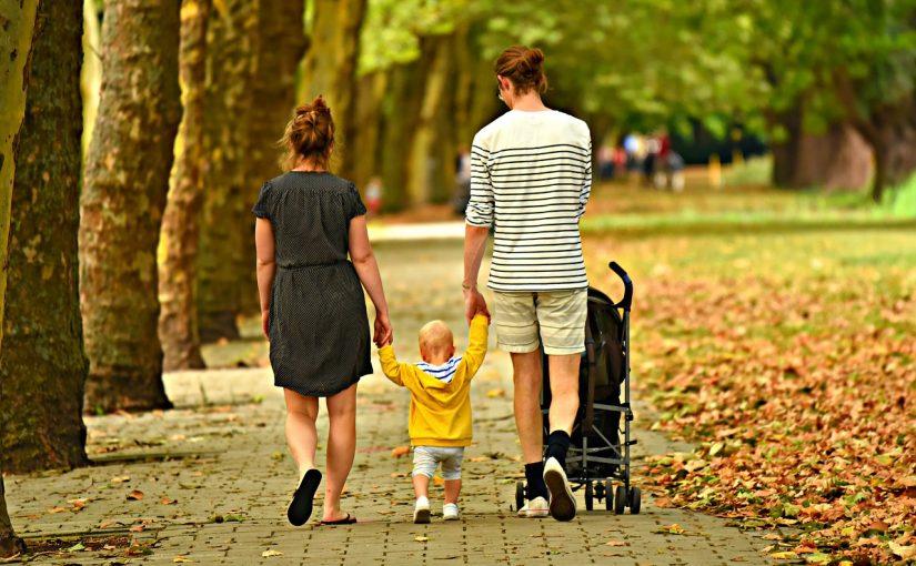 Гуляем с малышами: 7 полезных советов родителям